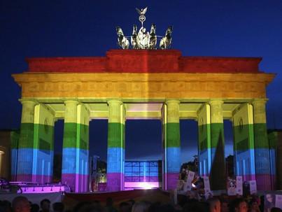 1 millióan parádéztak a Szivárvány főváros Pride-ján