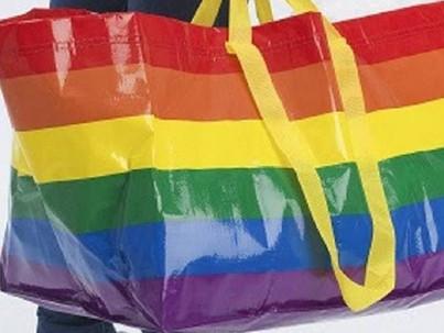 Már a magyar IKEA is forgalmaz szivárványos táskákat