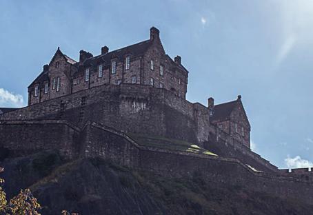 Conheça Edimburgo, o local ideal para melhorar seu inglês e viver grandes aventuras