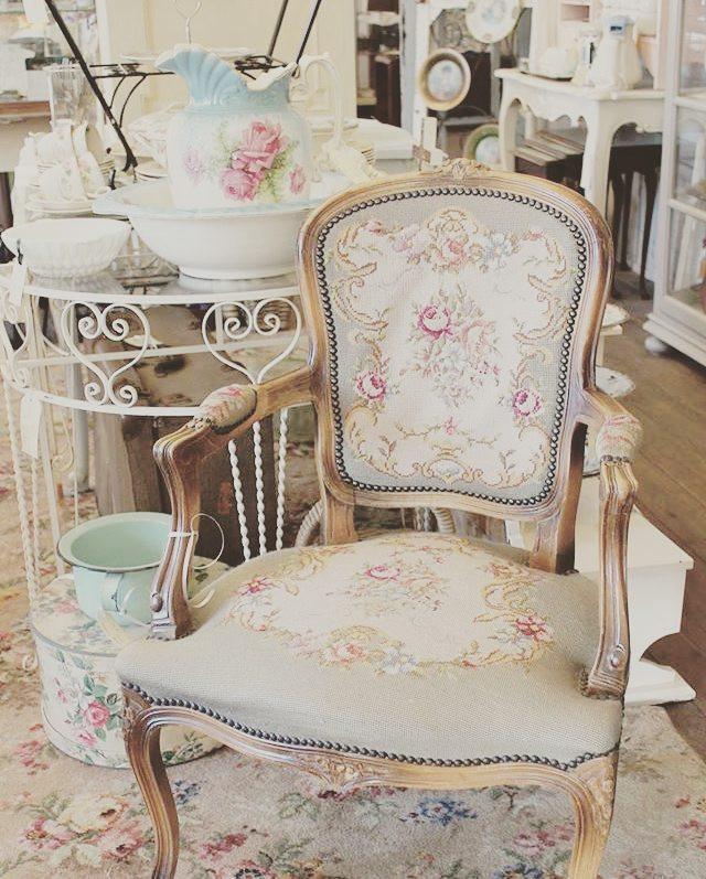 Shabbychic armchair