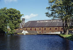 Old-Bushmills-distillery.jpg