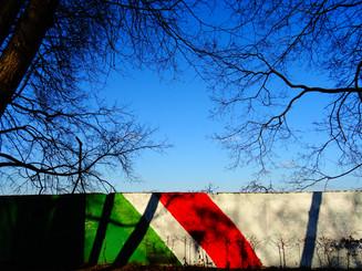 mur coloré vert rouge.JPG