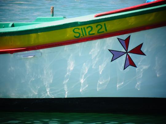 barque croix maltaise