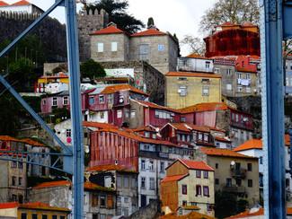 maisons toits oranges.JPG
