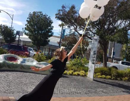 Holidays!Street Stalls! Balloons!