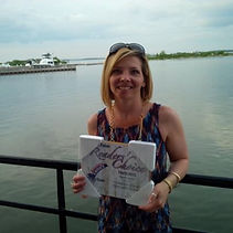 Corry Ticknor Owner of Gotta Go Travel receives Orillis's favourite travel agency award 2013
