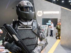 Russia: un esoscheletro da combattimento per i soldati del futuro.