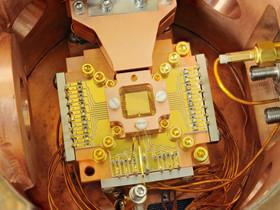Quantum Computing analogico, a temperatura ambiente. Parola di InfinityQ.