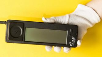 IBM Simon: Il primo smartphone della storia.