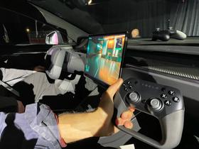 La Tesla Model S come la PlayStation 5. Potrai giocare a Cyberpunk 2077.