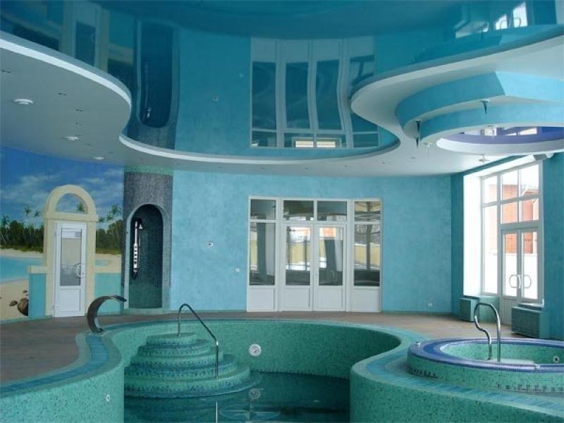 цветной глянец в бассейне