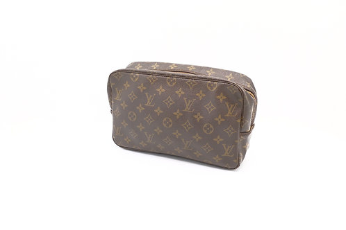 Buy beautiful pre-owned Louis Vuitton Trousse 28