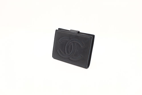 Buy preloved authentic Chanel compact wallet