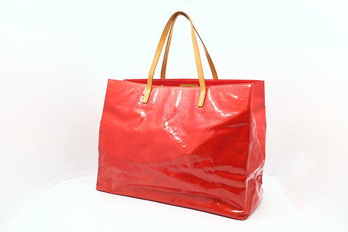 Louis Vuitton Reade GM in Vernis Red Leather