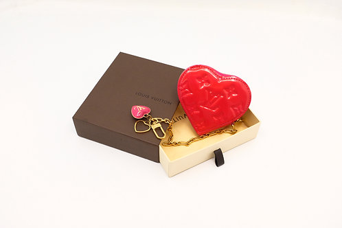 Buy preloved authentic Louis Vuitton Heart Charm pink