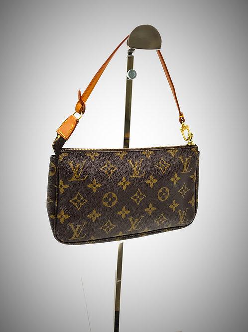 pre owned Louis Vuitton pochette accessoires monogram