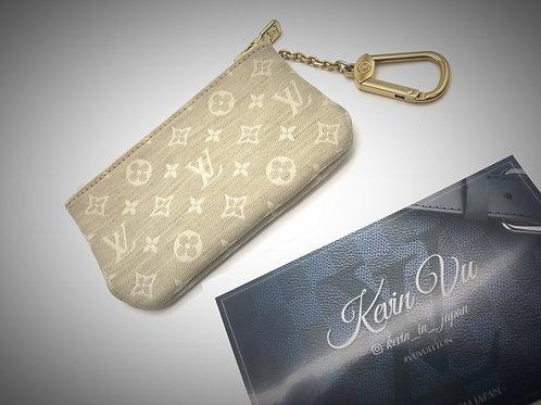 Pre loved Louis Vuitton Cles minilin white