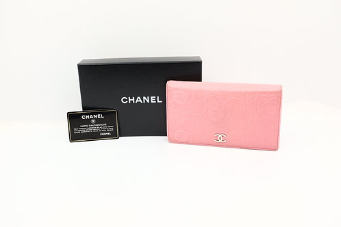 Chanel Camellia Billfold Wallet in Pink