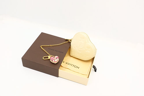 Buy pre owned Louis Vuitton Vernis heart coin case