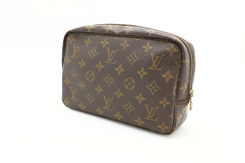 Buy pre loved Louis Vuitton Trousse 23