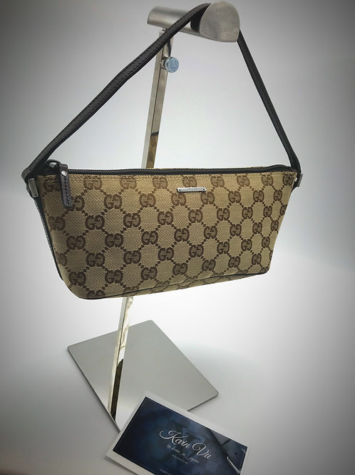 Gucci hand bag petite cocktail party size