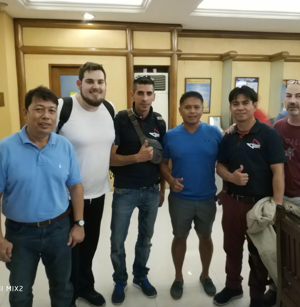 FMA TRIBE a Manila insieme a GM Val E GM