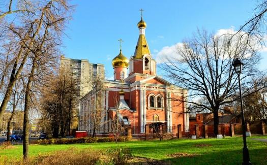 Достопримечательности Отеля Концерт, Метро Семеновская