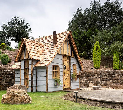 Quirky Glamping Hut