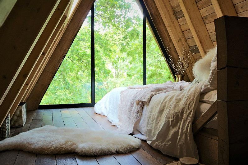 morel&co aframe bed & window 4 resized.j