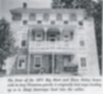 Front view of the stonehouse of Martin Nisley.