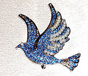 Dove Magnetic Brooch