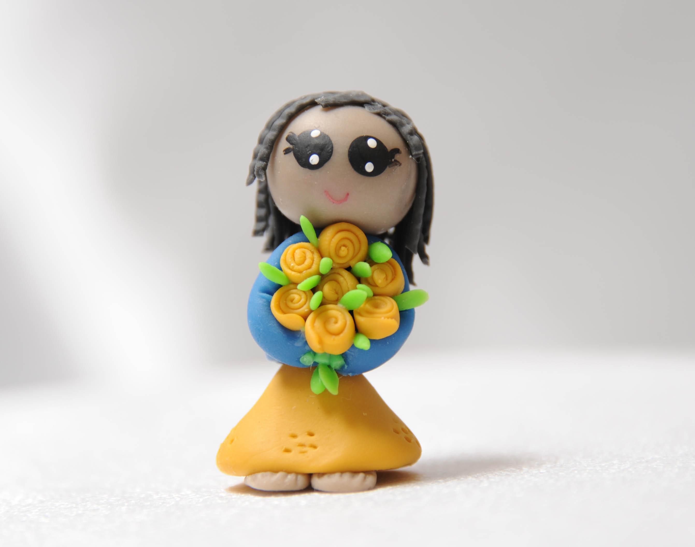 Lady in Yellow Dress -Twists