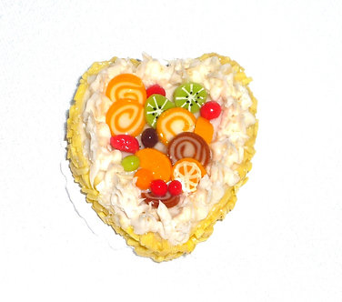 Yellow Heart Cake with Kiwi