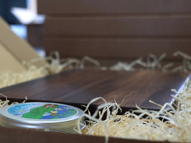Schneidebrett mit Gravur. Hochwertiges Geschenk aus der Schweiz.