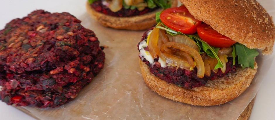 Hamburguesa Vegana de Betabel y Frijoles Negros