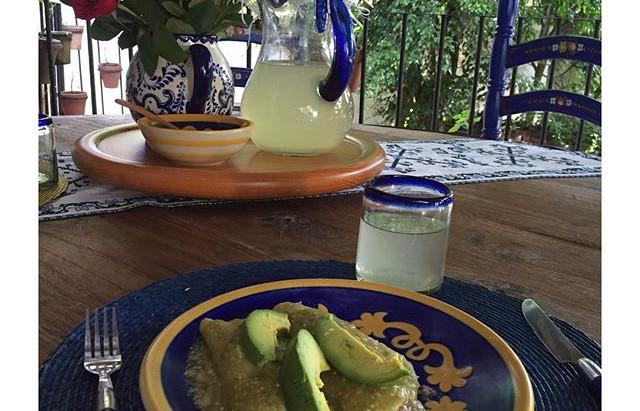 Enchiladas Verdes Rellenas de Hongos