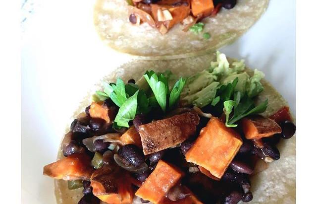 Tacos de Camote con Frijoles Negros