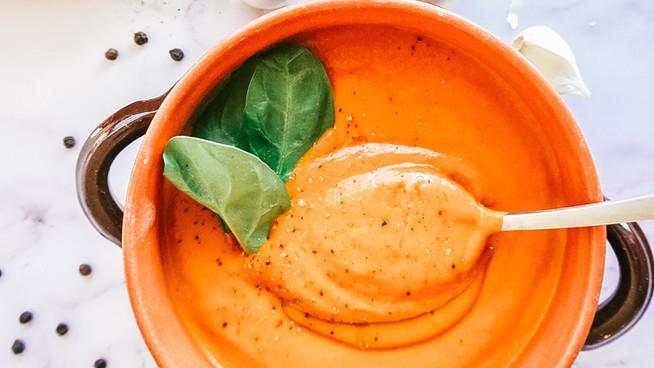 Sopa de Tomate/ Tomato Soup.