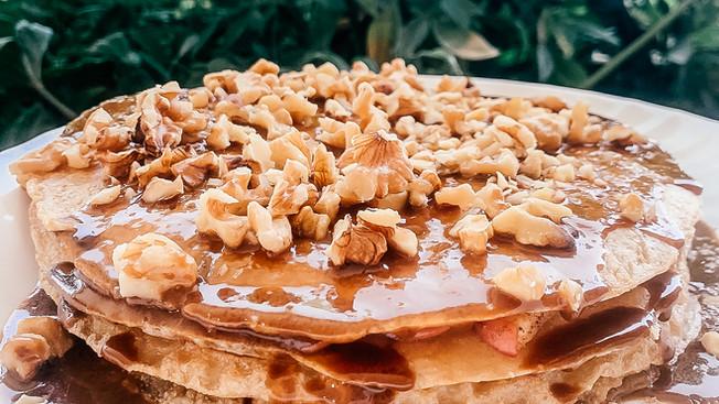Pastel de Crepas de Manzana con Cajeta
