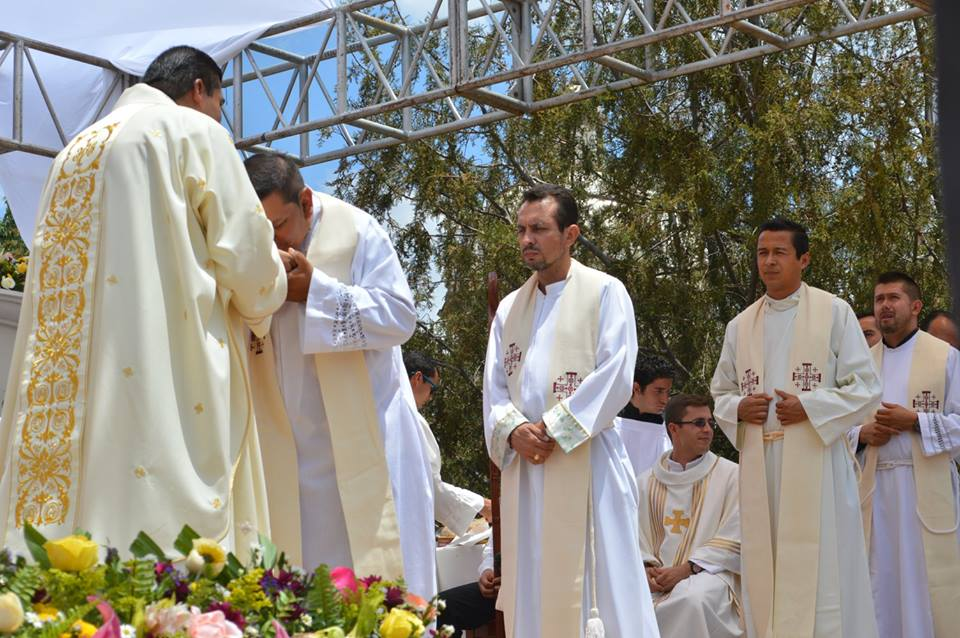 padre_Ernesto_Madera_Falcón_(3)