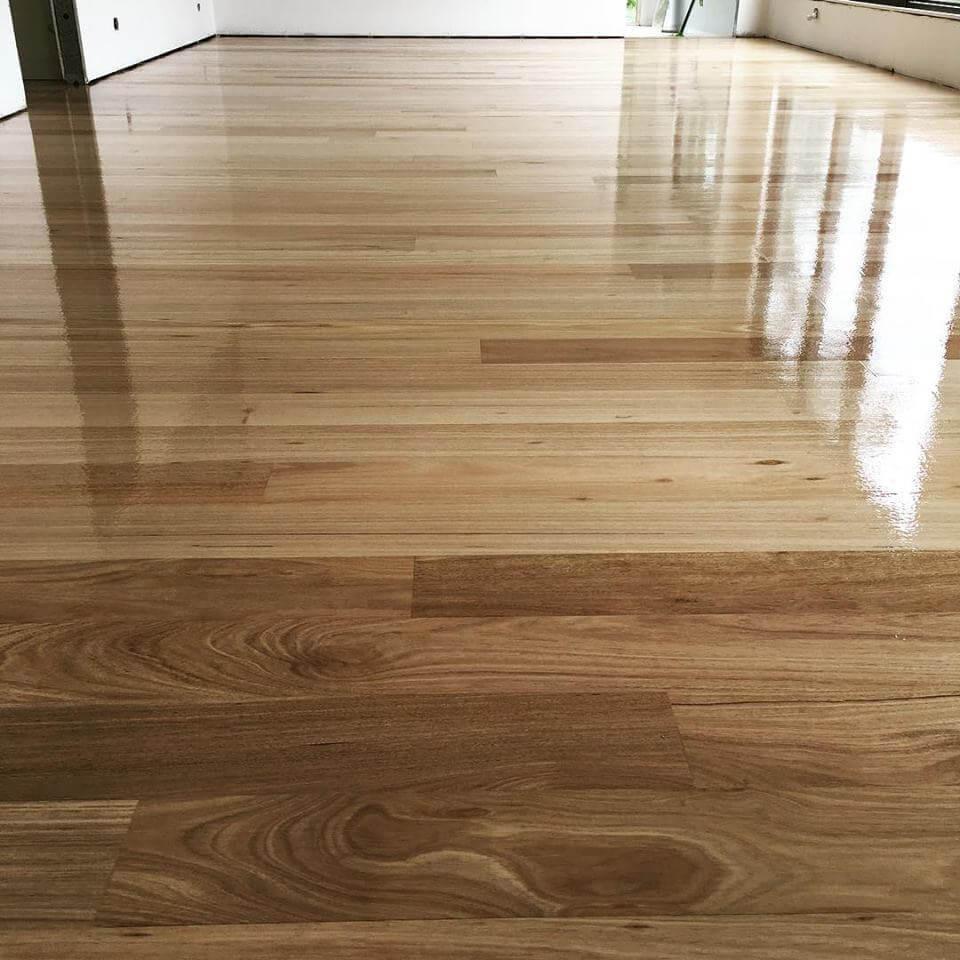 Beautifully Finished Glass Like Floor