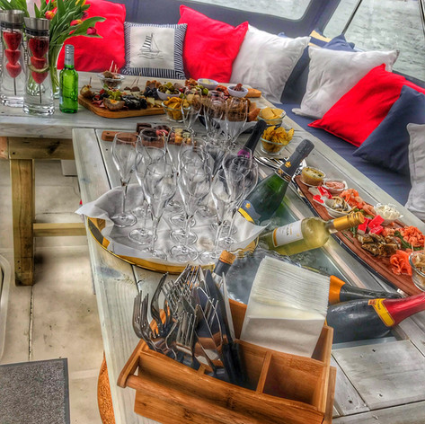 grazing boards on the fizz boat