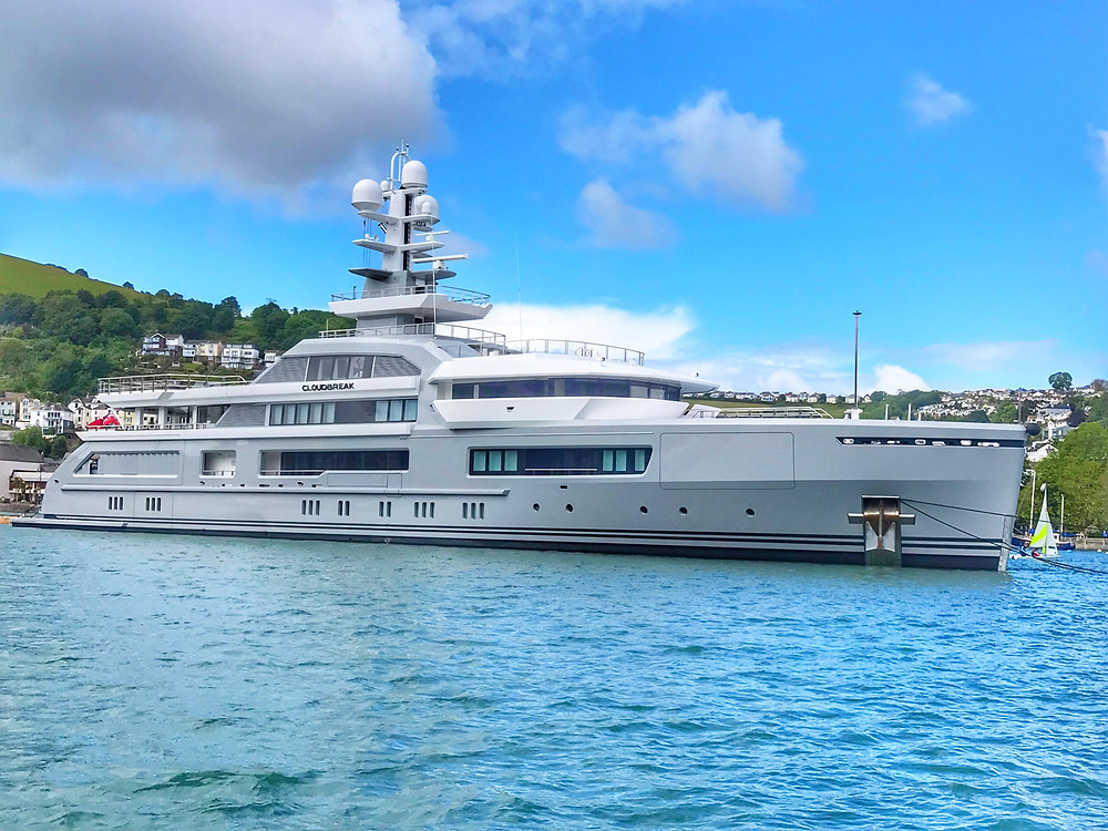 Super Yacht CloudBreak
