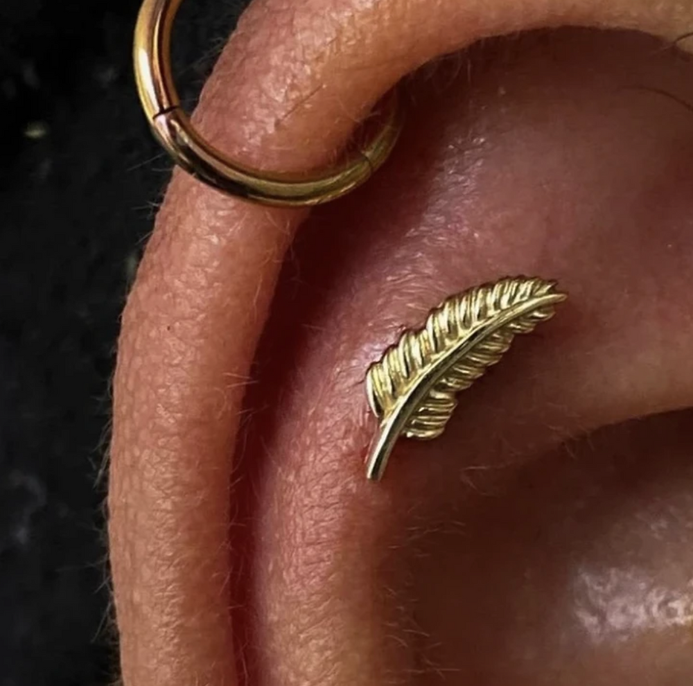 junipurr jewlery 14k gold feather threadless end