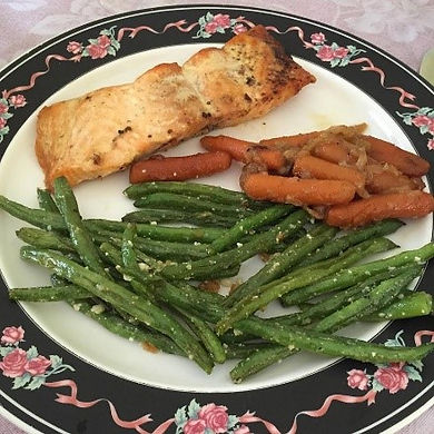 fish-green-beans-carrots-and-onions.jpg