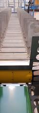 Zásobovací dopravník pro automatickou výrobní linku