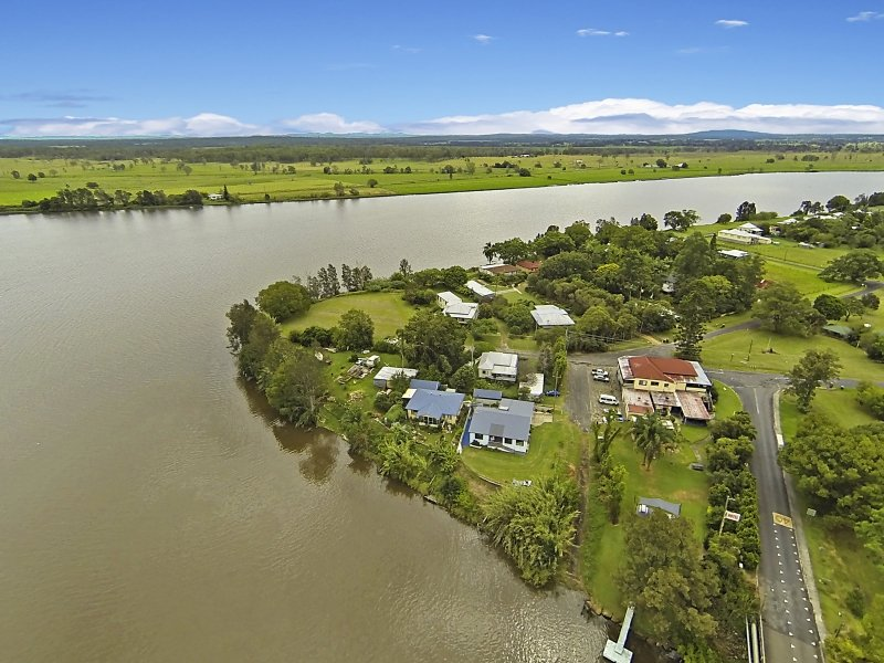 Brushgrove aerial view-G2Y houseboat