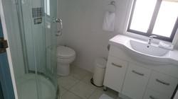 Bathroom - G2Y houseboats