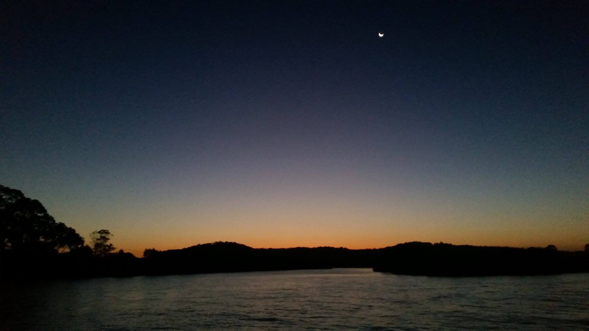 Clarence River sunset-G2Y houseboats