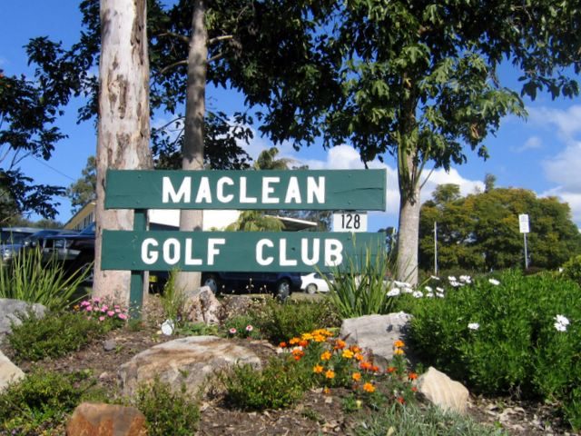 Maclean Golf Club-G2Y houseboats